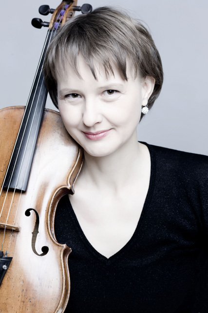 Annegret Klenke – first violin. Beate Hartmann – second violin